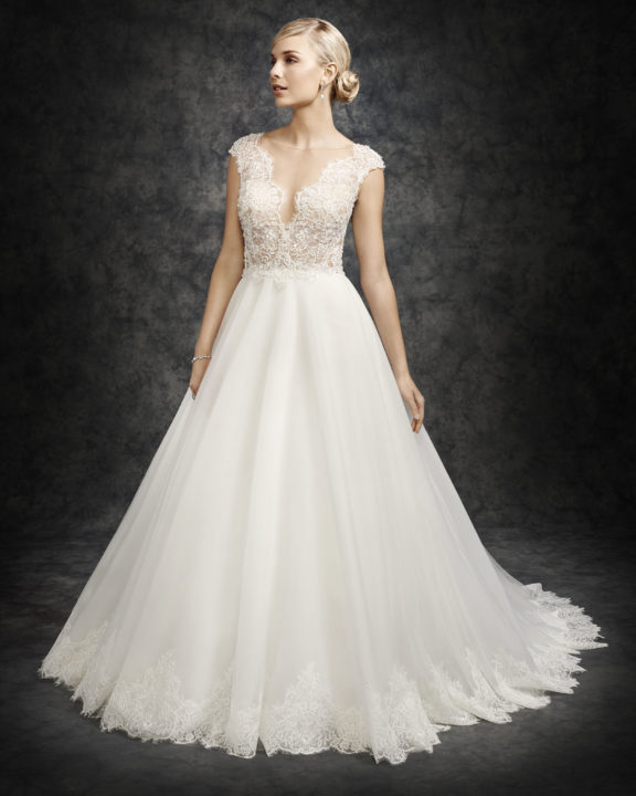 Shop Wedding Gowns: Laurie's Bridal Scottsdale Arizona Wedding Dress Shop